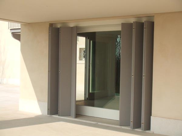 Vendita scuri e persiane a parma sca fi serramenti - Scuri per finestre ...